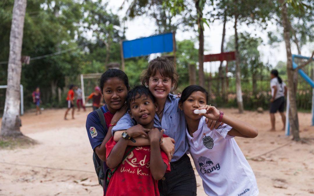 Working as a volunteer teacher in Prasat Bakong